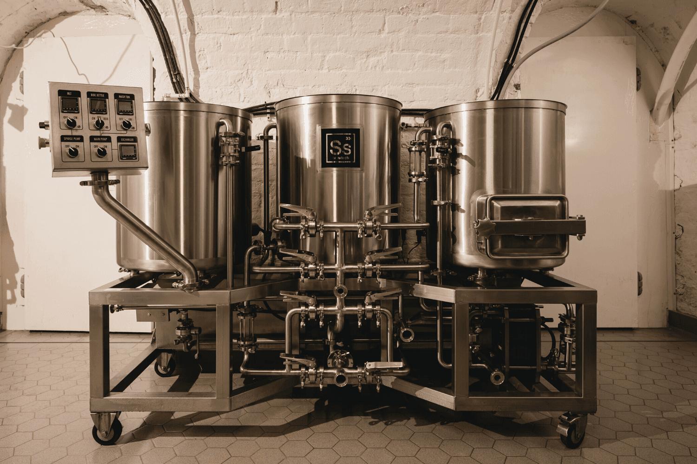 Gravity Budapest - Ss Brewtech Pilot Small Batch Brewery - 1bbl brewhouse