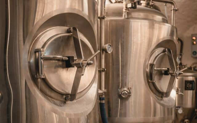 Gravity Brewing Budapest - Craft Beer - Brewhouse Tanks
