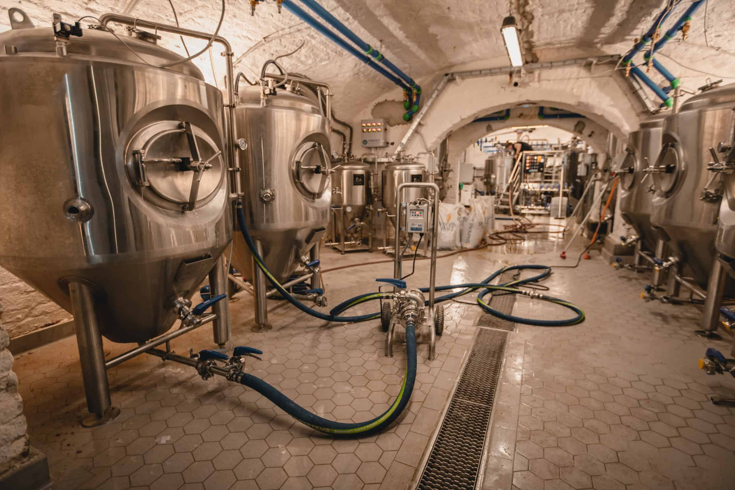 Gravity Brewing Budapest - Craft Beer - Brewhouse